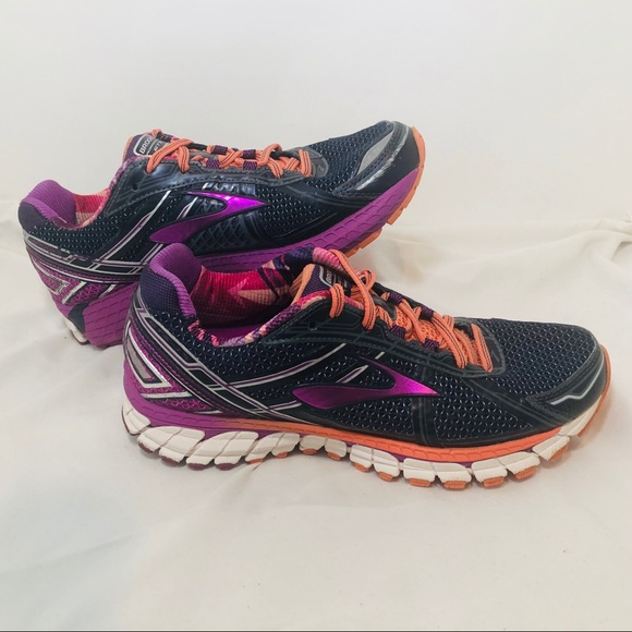 newest 702cf 22ea1 Brooks Adrenaline GTS 17 Running Shoes